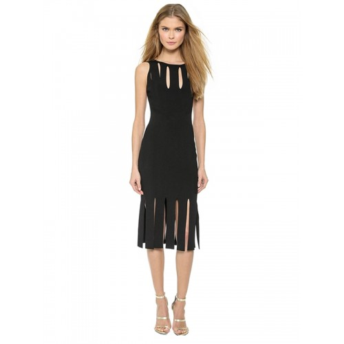 فستان أسود عاري الخلف