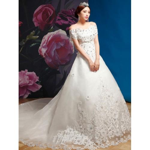 674043cdede34 فستان زفاف جميل مع نفاش من الأسفل و مصنوع من قماش الراين المزين بالترتر من  الأعلى