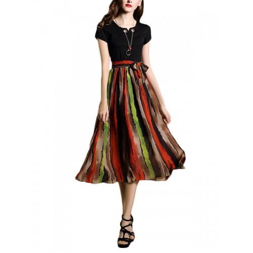 فستان نسائي بخطوط ملوّنة