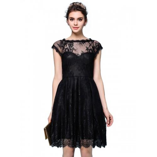 فستان قصير أسود جذاب