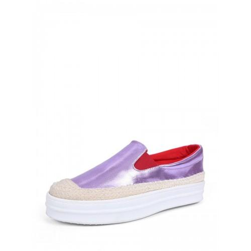425aed415 الحذاء النسائي ذو اللون الرائع والتصميم المسطح المنخفض