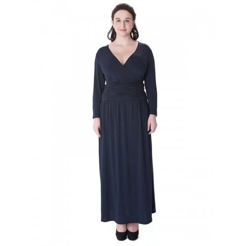 فستان طويل مقاس كبير بفتحة رقبة مثلثة عميقة